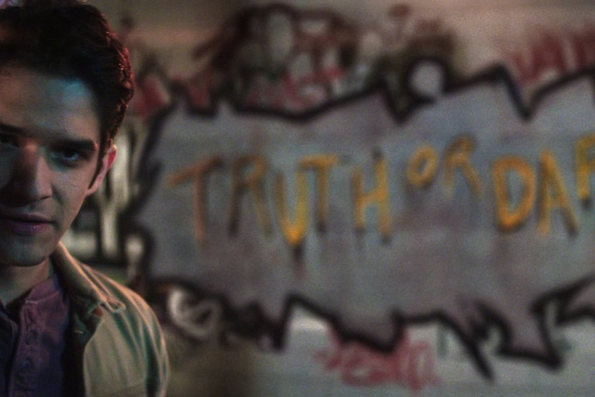 /db_data/movies/truthordare/scen/l/410_06_-_Lucas_Tyler_Posey.jpg