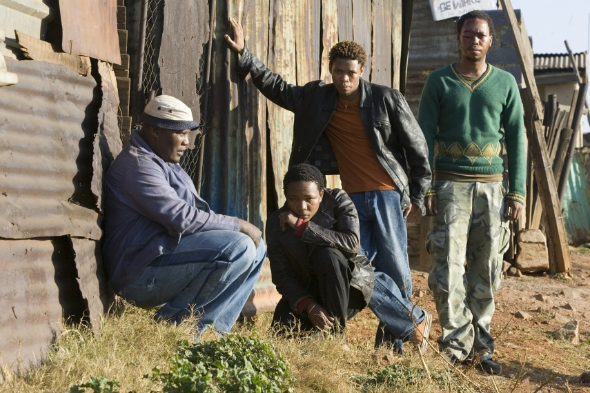 /db_data/movies/tsotsi/scen/l/673_29_67x19_78cm_300dpi.jpg
