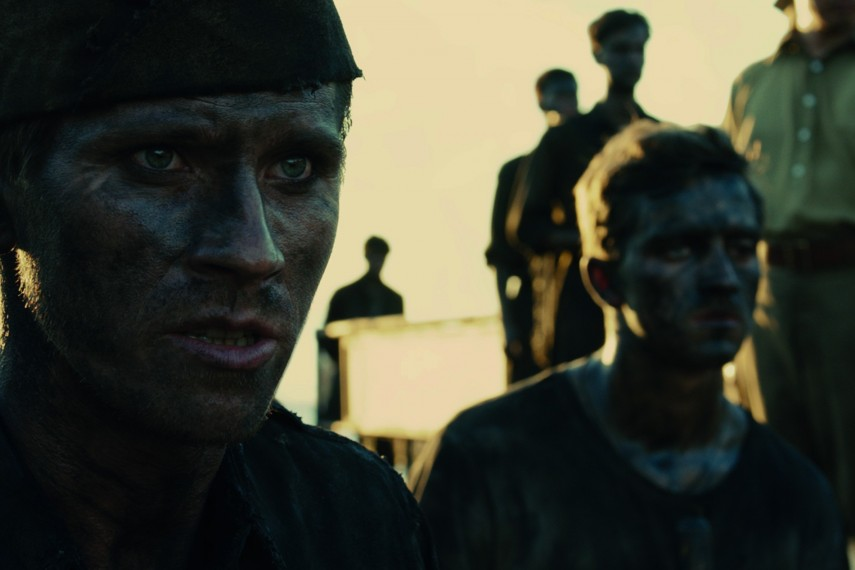 /db_data/movies/unbroken/scen/l/Louis_Zamperini_Jack_OConnell_x.jpg