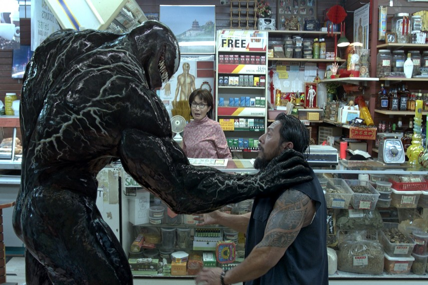 /db_data/movies/venom/scen/l/Venom_05.jpg