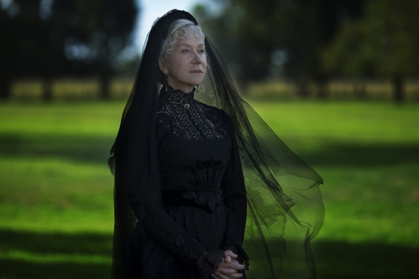 /db_data/movies/winchester/scen/l/410_07_-_Sarah_Helen_Mirren.jpg