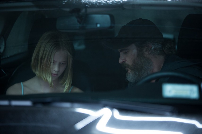 /db_data/movies/youwereneverreallyhere/scen/l/08E918FC-968D-A154-BB776A69BB4DA87A.jpg