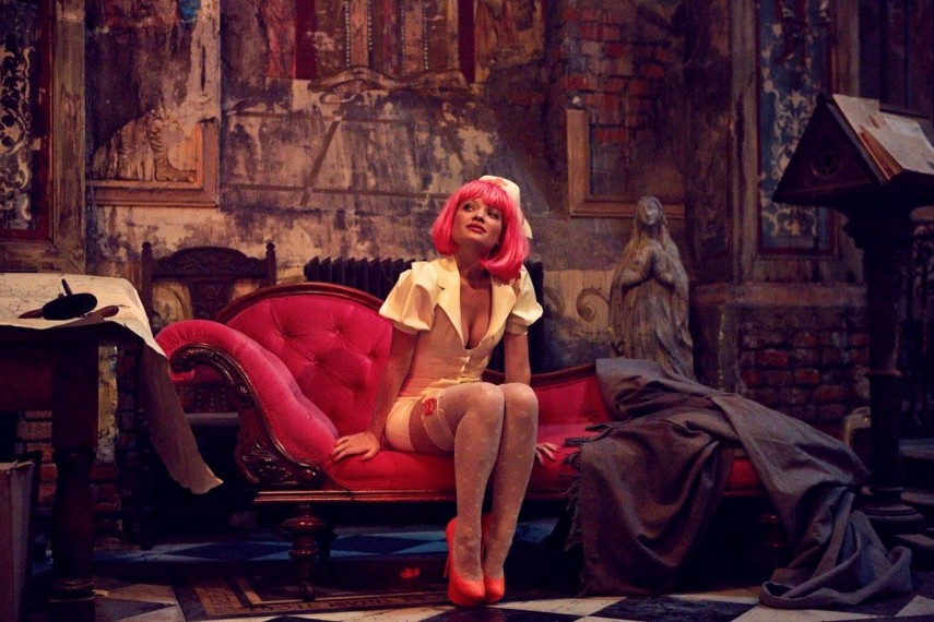 /db_data/movies/zerotheorem/scen/l/the-zero-theorem-image-04.jpg